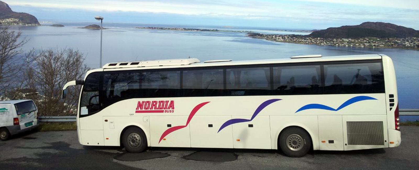 Kontakta oss för att hyra buss!